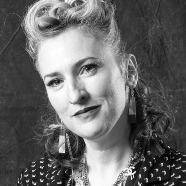 Lizzy Renihan